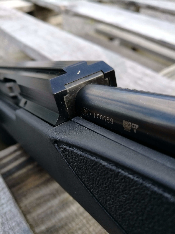 ISSC SPA .17 HMR Acción y cañón